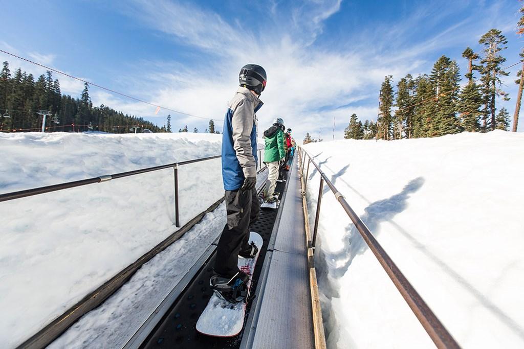 learn to ski/ride at Sierra width=